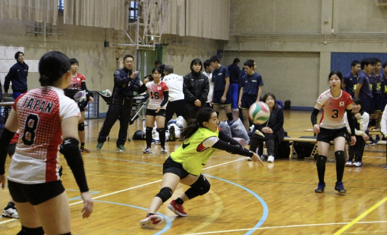 辟雍会後援の東京学芸大学バレーボール大会